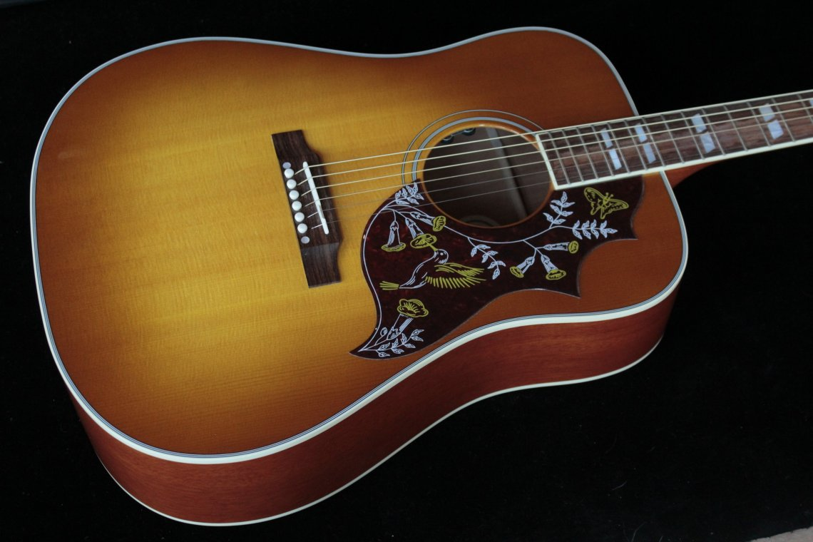 gibson hummingbird 2016 heritage cherry sunburst sn 11266006 gino guitars. Black Bedroom Furniture Sets. Home Design Ideas