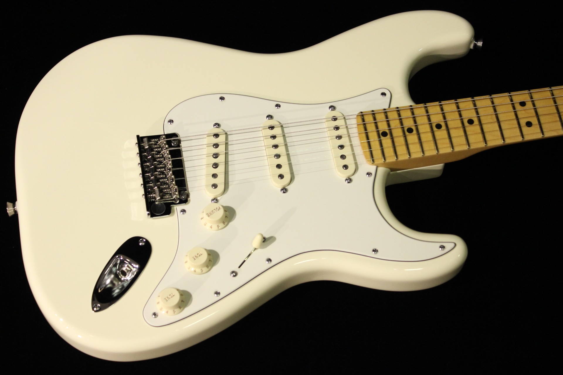 fender american standard stratocaster olympic white sn us14052226 gino guitars. Black Bedroom Furniture Sets. Home Design Ideas