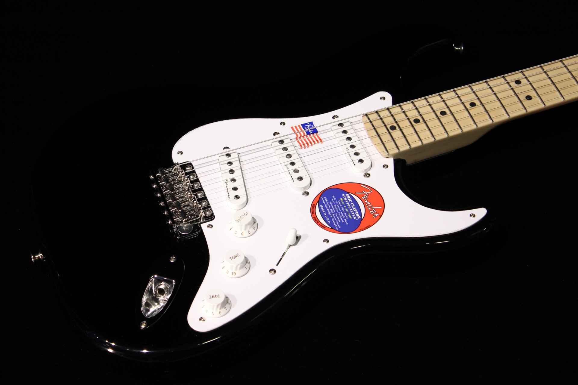 fender eric clapton stratocaster black gino guitars. Black Bedroom Furniture Sets. Home Design Ideas