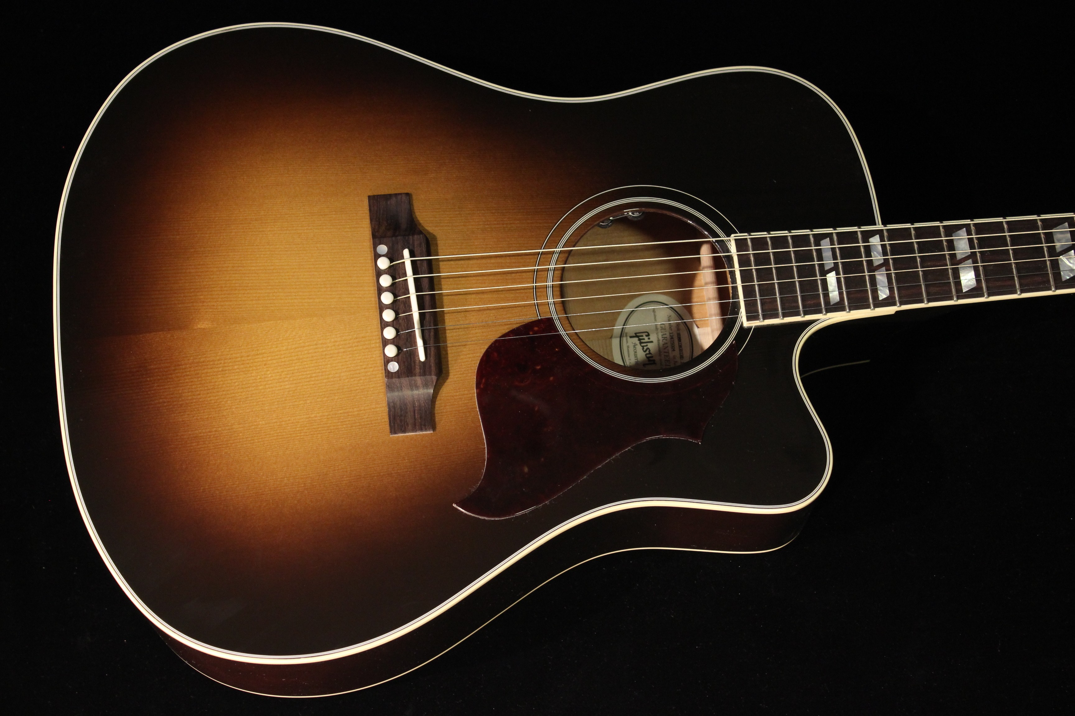 DATING GIBSON GUITARS BY REFERENCE OF SERIAL NUMBERS